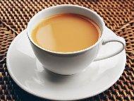 Рецепта Черен или зелен чай по Шотландски с прясно мляко, жълтък и мед